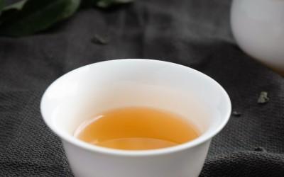 Królowa herbat. Herbata królów. Biała herbata